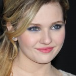 abigail-breslin-wallpaper-13